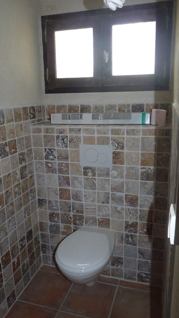 WC - Pose marbre au mur